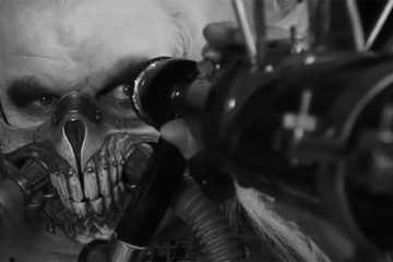 Mad-Max-Fury-Road-in-black-and-white